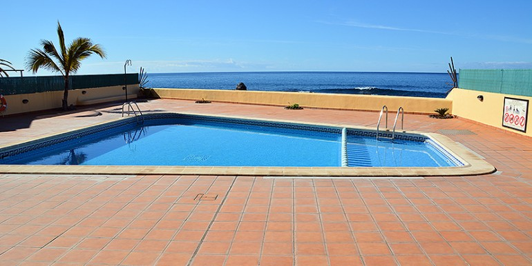 10-ref284-piscina